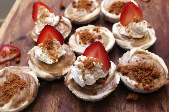 No Bake Vegan Biscoff Cookie Butter Cheesecake Bites