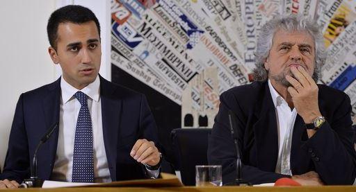 Cinque stelle contro Renzi ed il centrodestra