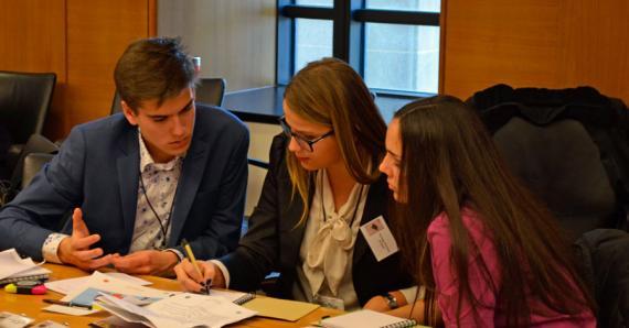 belajar di jurusan hubungan internasional