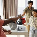 Cara Mempersiapkan Hari Pertama Sekolah dengan Baik untuk Anak
