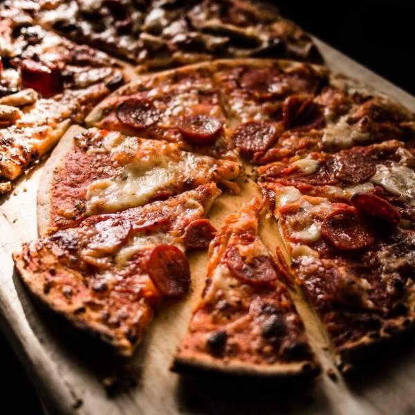 rumus pecahan pada pembagian pizza