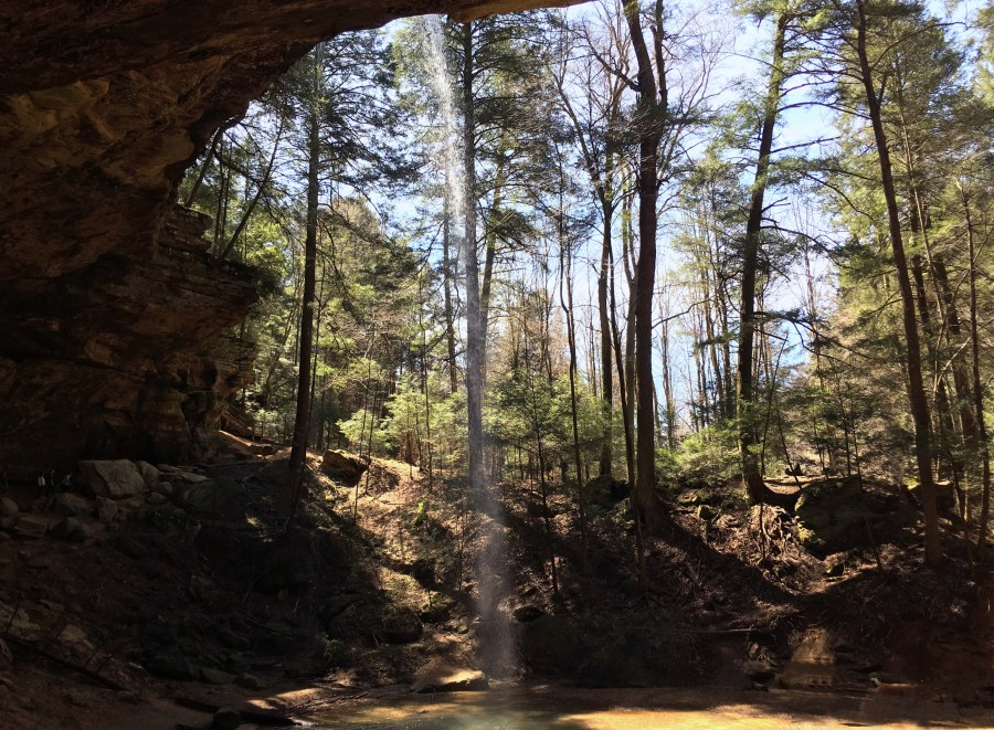 Hiking In Hocking Hills State Park | Logan, OH | USA | Ash Cave