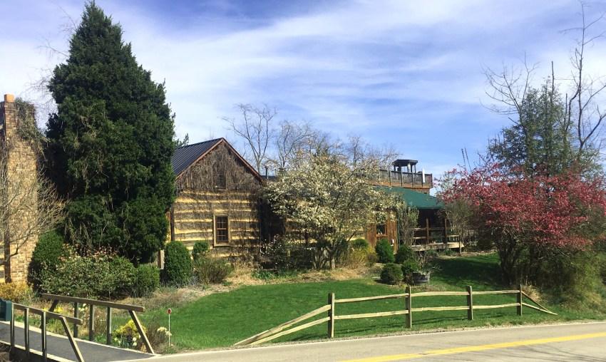 Hiking In Hocking Hills State Park | Logan, OH | USA | Inn and Spa at Cedar Falls