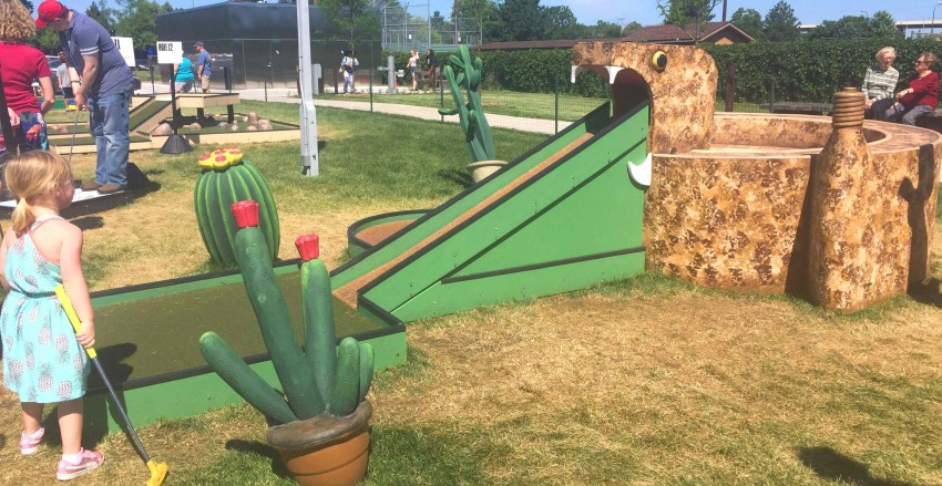 The best things to do in the Twin Cities with kids | Minneapolis Sculpture Garden Mini Golf | Minneapolis, MN (USA)