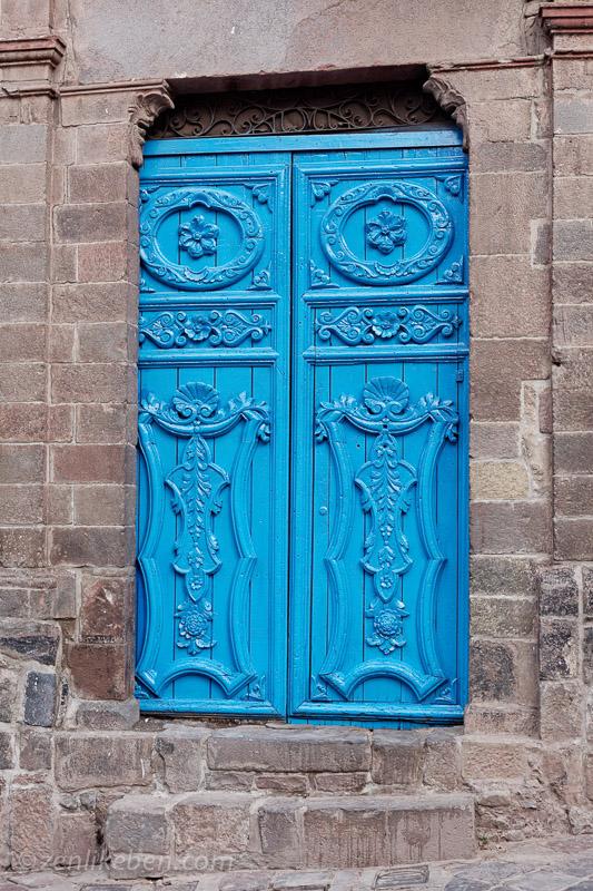 Blue doorway in Cusco