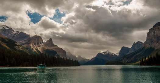 Maligne Lake Cruise Boat
