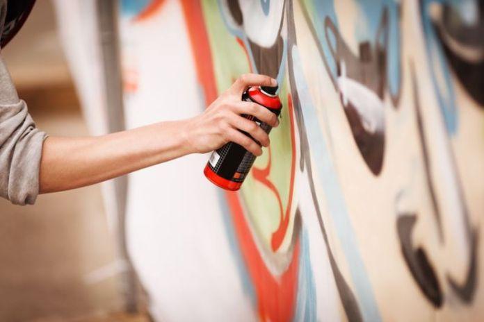 02 Graffiti_sprejer_sprej
