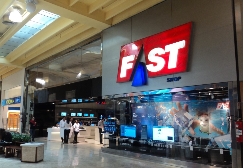 fachada da loja fastshop