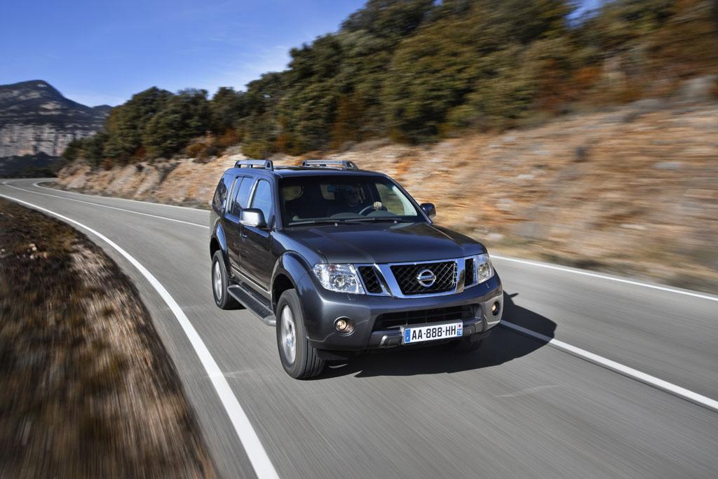 2011 Nissan Navara Pathfinder Facelift Photo 12 7595