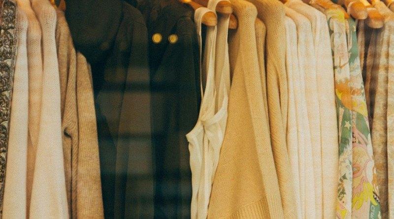 Plateformes pour acheter et vendre des vêtements d'occasion