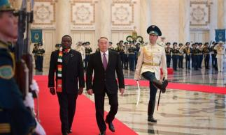 https://i2.wp.com/www.zerohedge.com/s3/files/inline-images/Zim-leader-in-Astana-Kazakhstan-960x576.jpg?resize=323%2C194&ssl=1