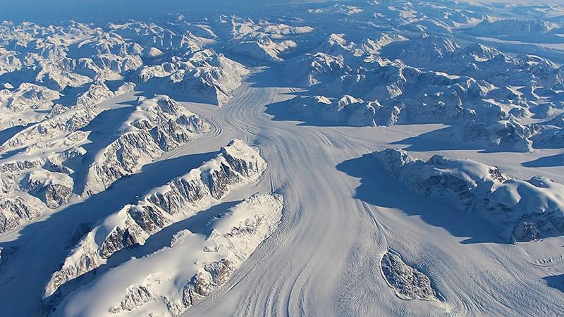 Greenland_ice_sheet_NASA_800