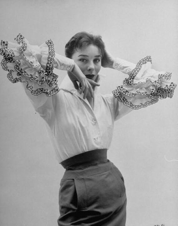 Resultado de imagem para blusa bettina givenchy