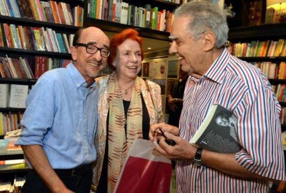 Joaquim Ferreira dos Santos e o casasl Lucy e Luiz Carlos Barreto