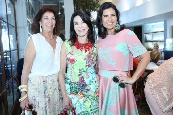 Licia Gayoso, Teresa Acxel e Cris Ferraciu