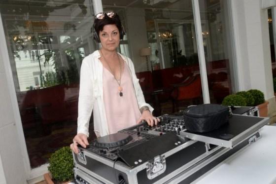 A DJ Cris Prado