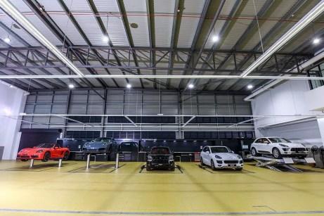 Porsche Centre Penang_Workbay 02