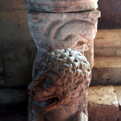 Abbazia Sant'Antimo - Base di colonna