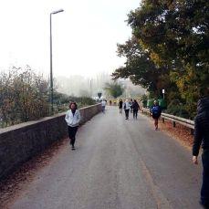 Verso la partenza nel centro del piccolo borgo