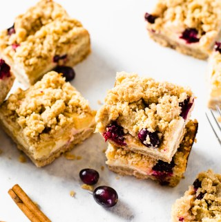 Gluten free apple cranberry cheesecake bars - Zest and Lemons