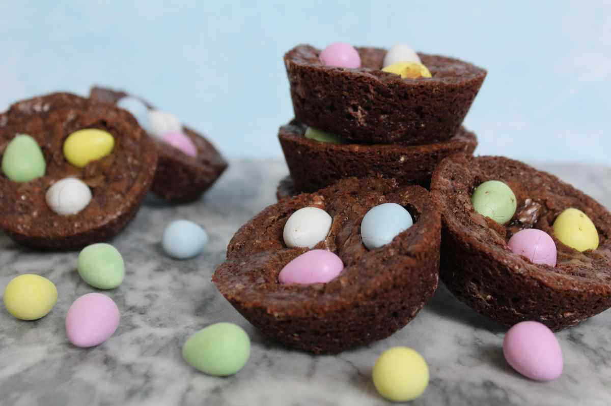 Mini Egg Brownie Bites