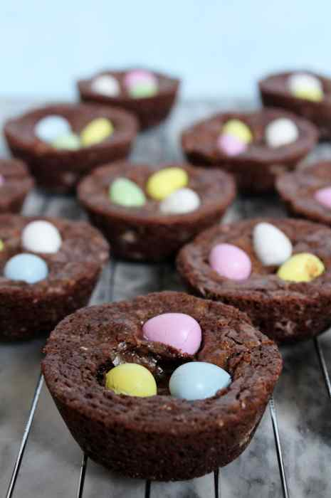 Mini Egg Brownie Bites - Loaded with Mini Eggs, everyones favourite Easter candy, these chocolatey brownie bites are super cute and are a perfect yummy springtime or Easter treat! Brownie edge lovers will especially adore these! This recipe is simple to whip up and will be a dessert everyone demands more of!