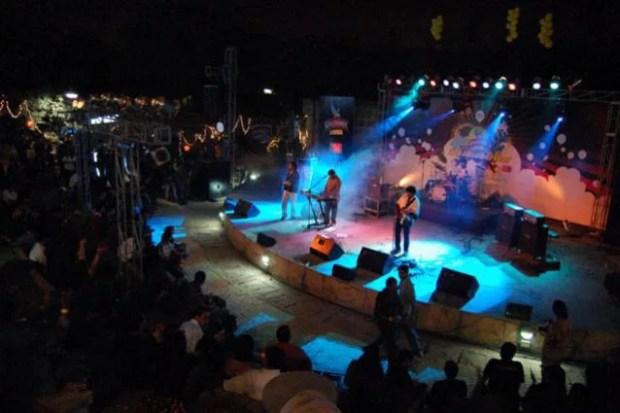 concert in garden of 5 senses delhi