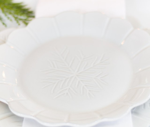 Classic Christmas Table Set For Brunch _