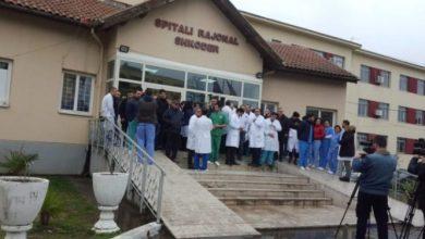 Photo of Shpërthimi i koronavirusit/ Spahia: Pacientit me shenja klinike në Shkodër s'i bëhet tamponi