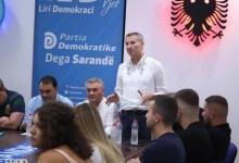 Photo of Covid bën 'kërdinë' por të rinjtë e PD-së në Sarandë nuk pyesin, mbledhje pa maska në një ambient të mbyllur: Riorganizohemi për zgjedhje