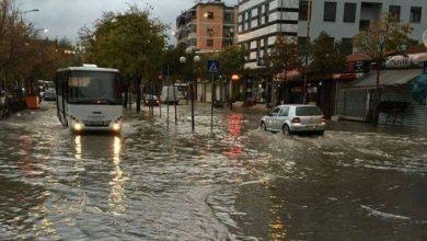 Photo of Priten reshje dhe përmbytje/ Shkodra në alarm për 5 ditë: Nëse makina juaj bllokohet nga uji…