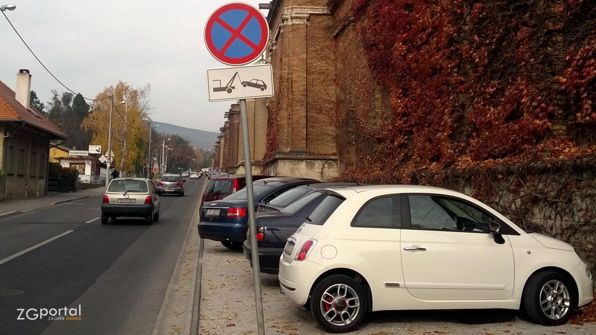 groblje mirogoj - parkiranje uz arkade - studeni 2015