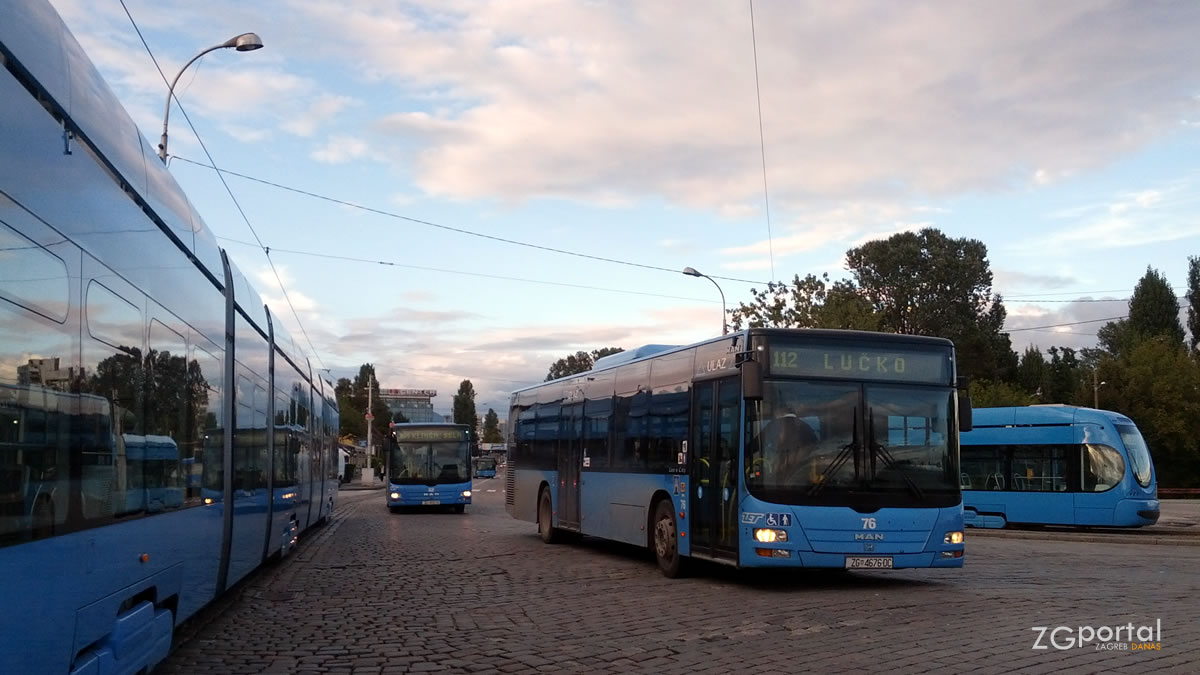 autobusna linija 112 (savski most - lučko) / terminal savski most / rujan 2014.