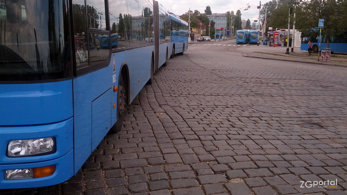 terminal savski most zagreb / srpanj 2014.
