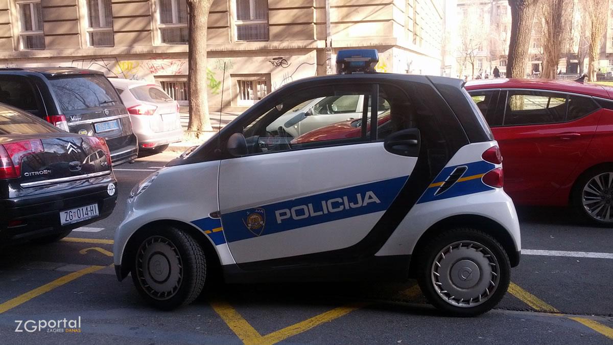 smart fortwo - police zagreb - 2016.01