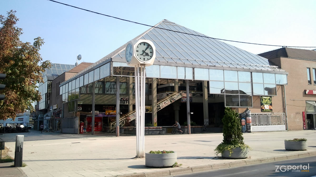 trgovački centar velika gorica / kolovoz 2012.
