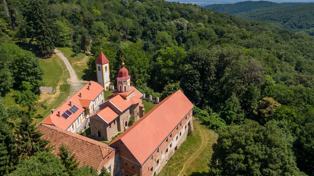 manastir i crkva svetog nikole, orahovica - 2020