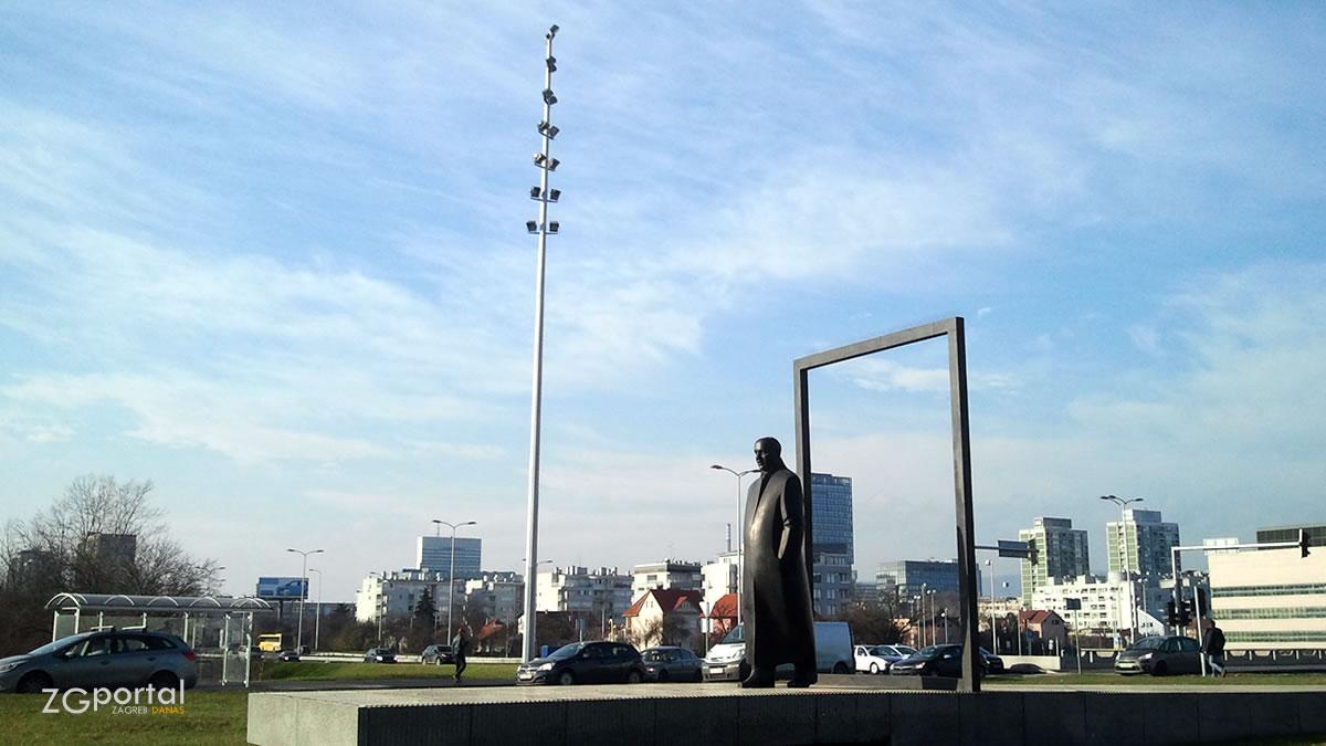 spomenik većeslav holjevac, zagreb / ožujak 2012.