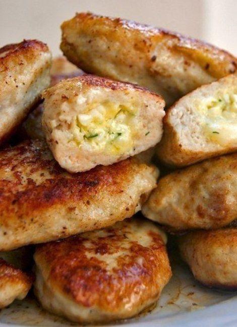 Курица в котлетах с фаршировкой яйцами, сыром