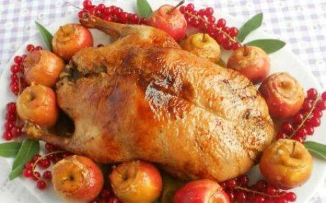 Новогодняя утка яблоки, чернослив, имбирь, лимон. Жарим в духовке.