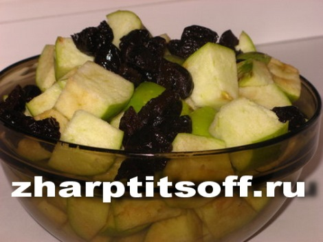 Рецепт гуся с яблоками черносливом. Запекаем по-мекленбургски.