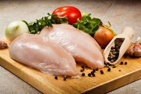 Приготовить мягкие куриные грудки. Ошибки, делающие мясо сухим.