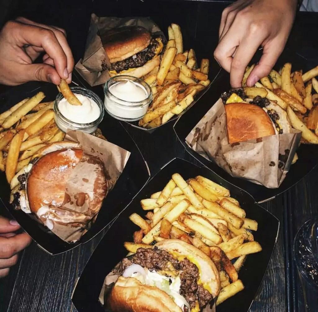 Почему ночью хочется кушать? Не пропустите серьезное заболевание.