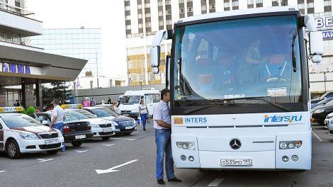 Правительство смягчило требования к туроператорам, организающим автобусные туры по России для детских групп