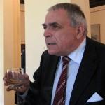Ipochimenul* plagiator** Nicolae Manolescu a fost decapitat pe treptele revistei Tribuna din Cluj. INTERVIU Ion Spanu cu Mircea Arman