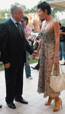 https://i2.wp.com/www.ziaristionline.ro/wp-content/uploads/2013/09/Iliescu-si-Dragotescu-egal-Love-adica-Liublu-tibia.jpg