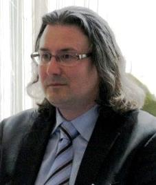 Directorul Spitalului Roman amenință cu demisia