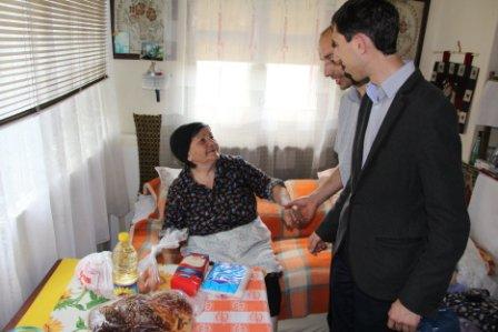 """Fundația """"Melchisedec Ștefănescu"""" sprijină familiile în dificultate"""
