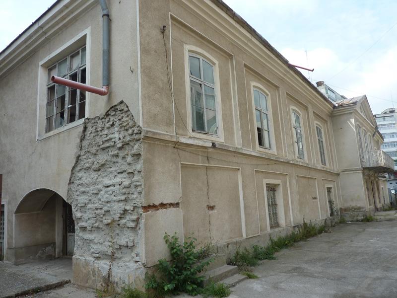 Autorităţile locale asigură Casa Celibidache împotriva cutremurelor