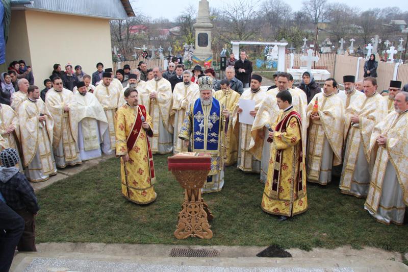 100 de ani de la prima sfinţire a bisericii din Avereşti